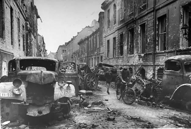 Destroyed Berlin in 1945 – MiniArmour